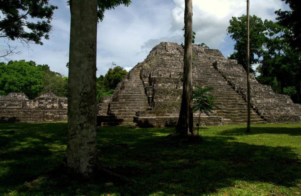 Maya pyramid - Yaxha