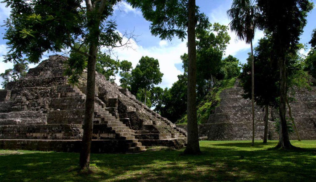 Maya pyramid - Yaxha - 3
