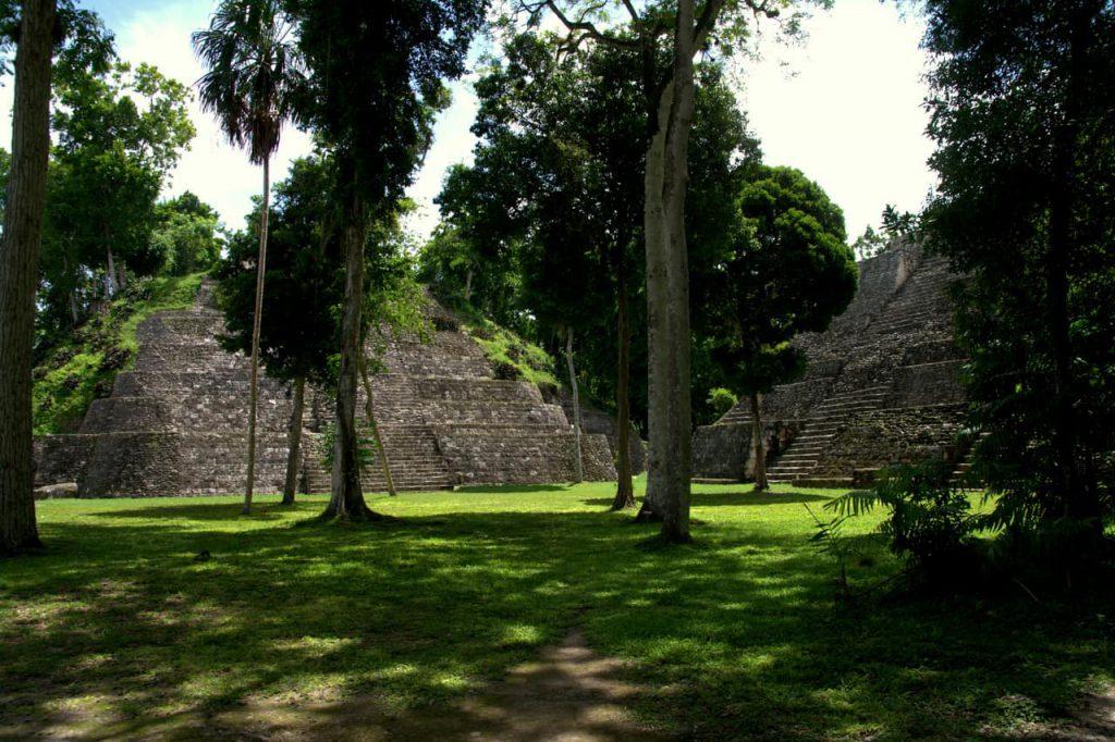 Maya pyramid - Yaxha - 4