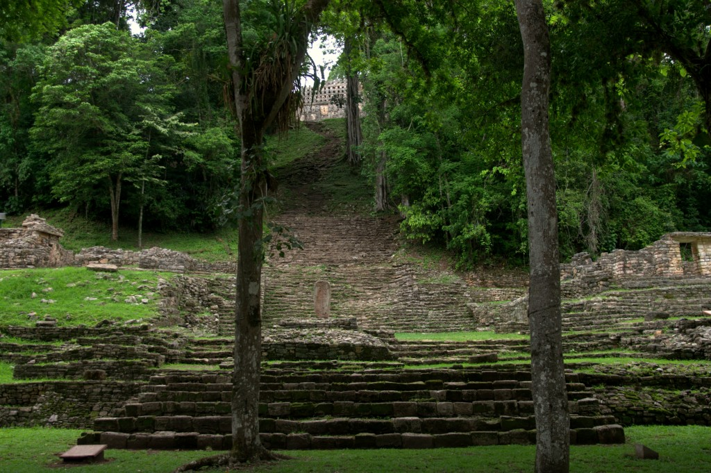 Yaxchilan - Amazing Temples of the World