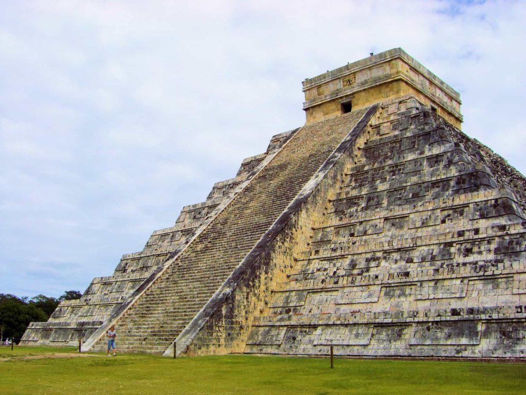 El Castillo - Chichén Itzá - amazingtemples.com