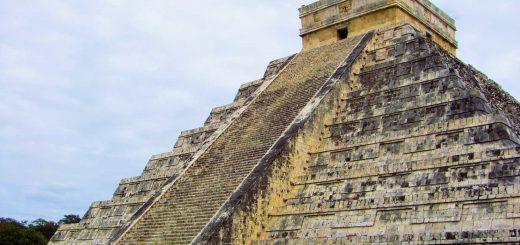 El Castillo - Chichen Itzá - amazingtemples.com
