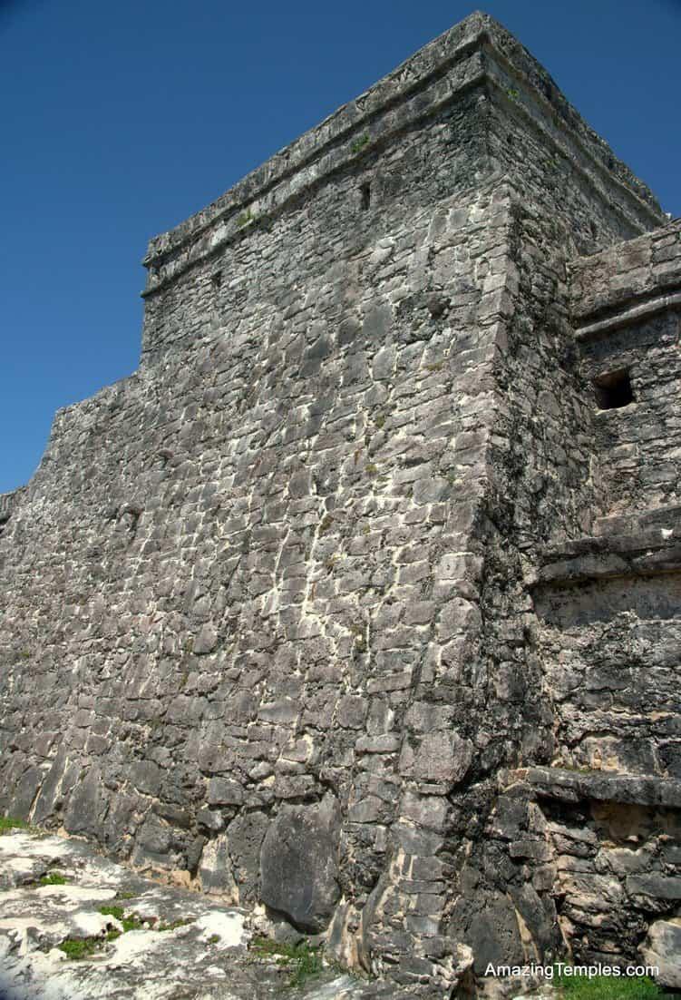 Tulum - El Castillo - seaside - full size