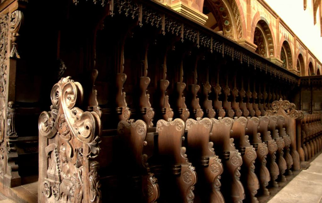 Wooden seats with carvings -1