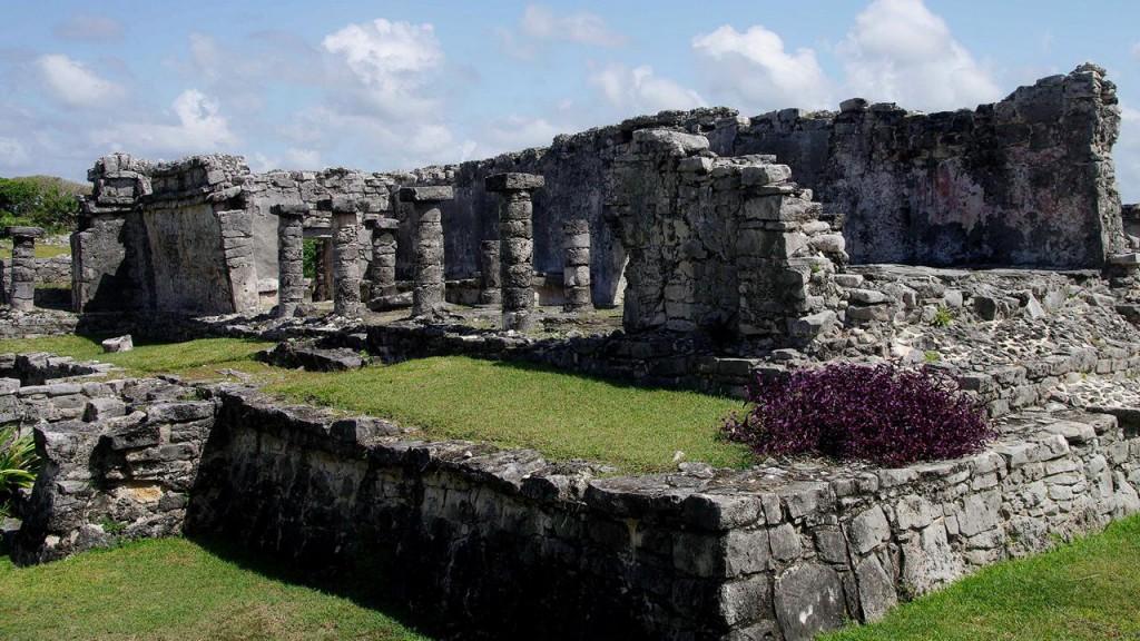 Tempel des herabsteigenden Gottes - Tulum -Yucatan
