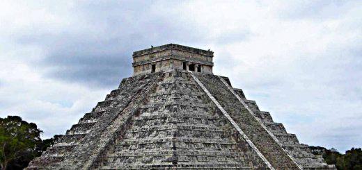 Die Kukulkanpyramide in Chichen Itzá
