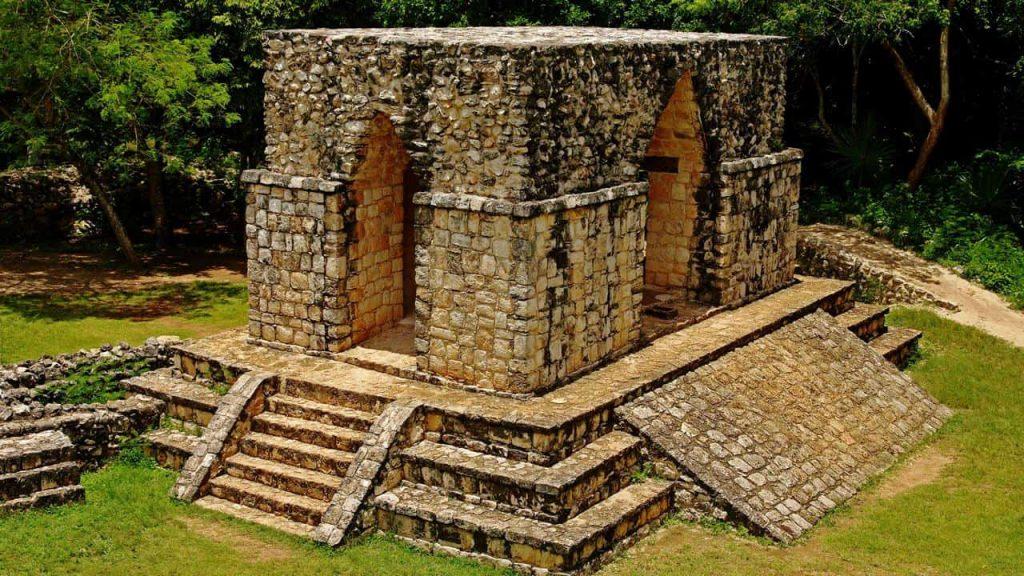 Das Eingangstor - El Arco - in Ek Balam