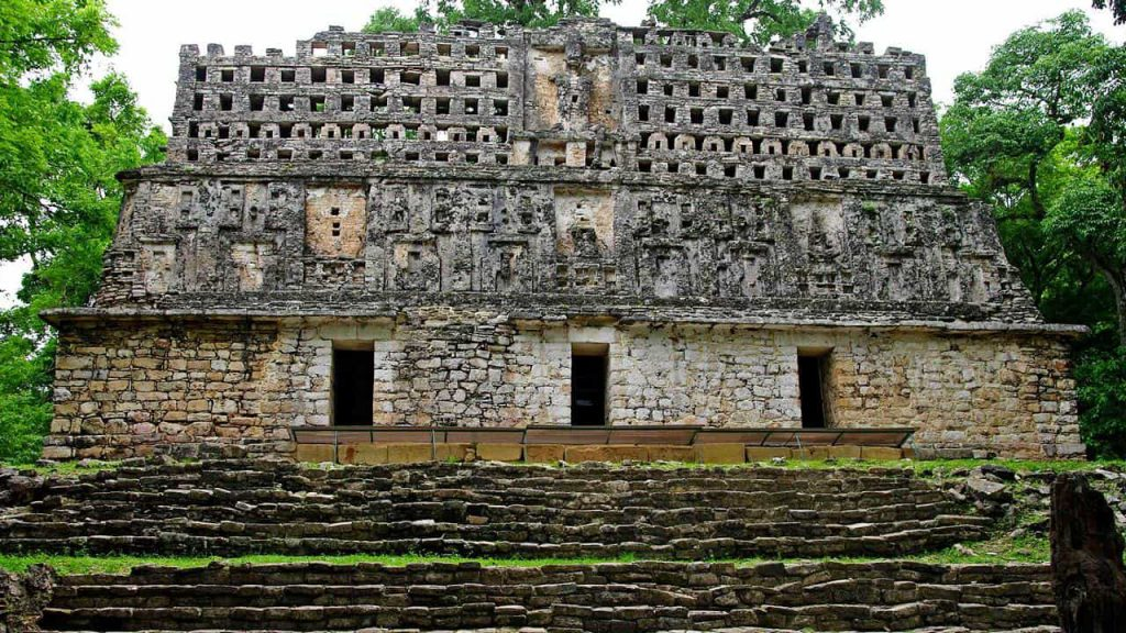 Yaxchilan Temple 33
