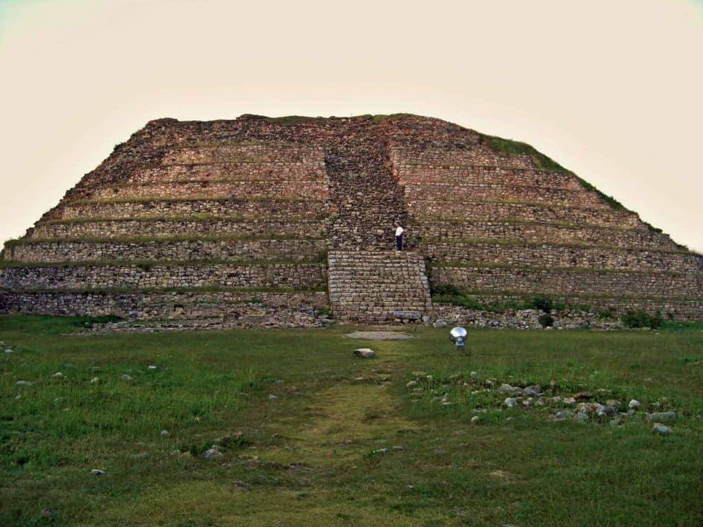 Kinich Kak Moo - The pyramid of the sun god in Izamal